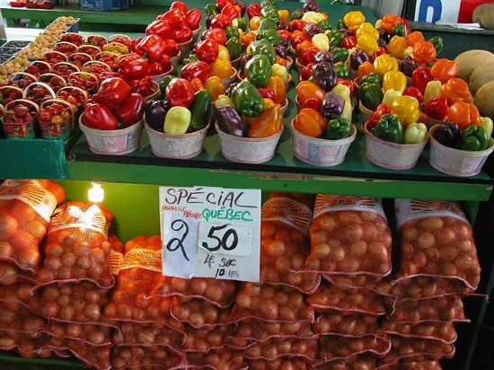 Mercado Jean-Talon: Perfect presentation Ruby Roy photo