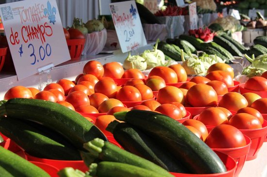 Mercado Jean-Talon: Local tomatoes Ruby Roy photo