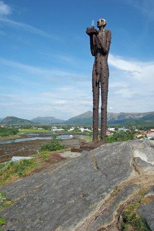 Ringstad Sjøhus - Huset på Yttersiden: Die Seaman-Skulptur am Bo-Museum in Steine