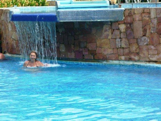 Hesperia Playa El Agua: cascada piscina Orinoco
