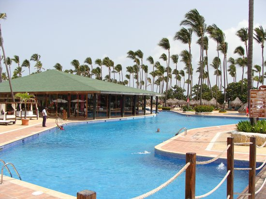 Parc aquatique sirenis aquagames picture of sirenis for Club piscine laval
