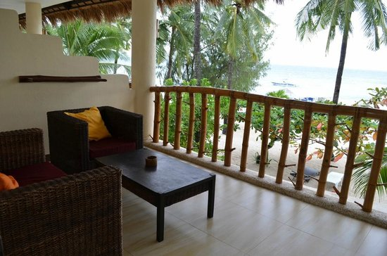 Ocean Vida Beach & Dive Resort: Terrace