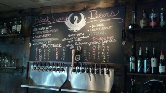 Black Swan Brewpub: Lots of great beer brewed here!