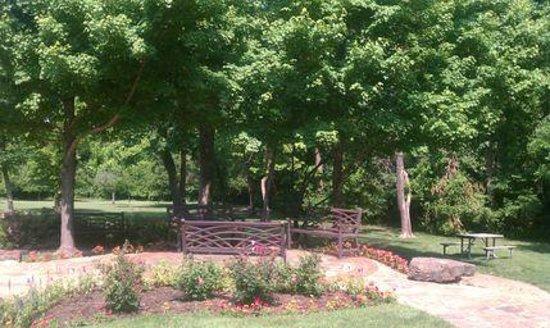 Gilcrease Museum: Stuart Park picnic area