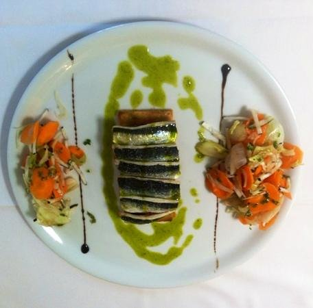 CAP SANTA LUCIA : tarte fine de sardines ,légumes croquants