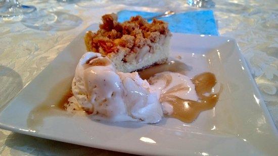 Kriunes Hotel : Apple cake