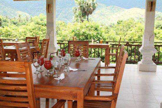 Frangipani Bar & Restaurant