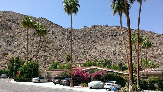 Desert Hills: hotel