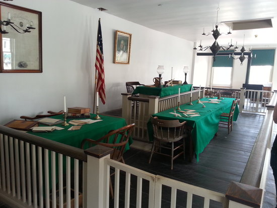Lincoln-Herndon Law Offices State Historic Site: Court was held there at times