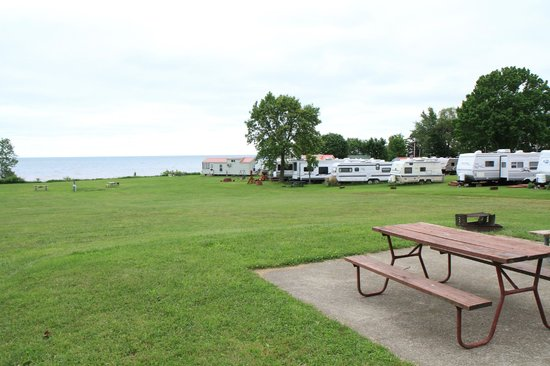 Virginia's Beach Campground: The view from the high ground towards Lake Erie