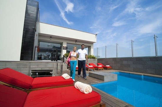 Radisson Hotel Decapolis Miraflores: Rooftop Pool