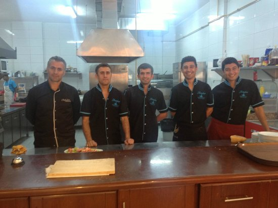 Samdan Restaurant : kıtchen staff