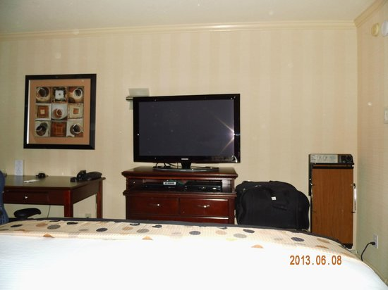 Hotel Strata : LCD