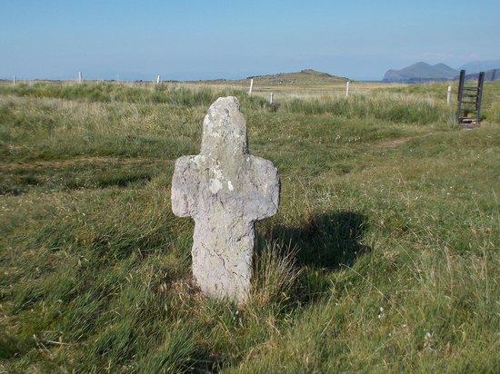 St. Brendan's Well: Stone Cross