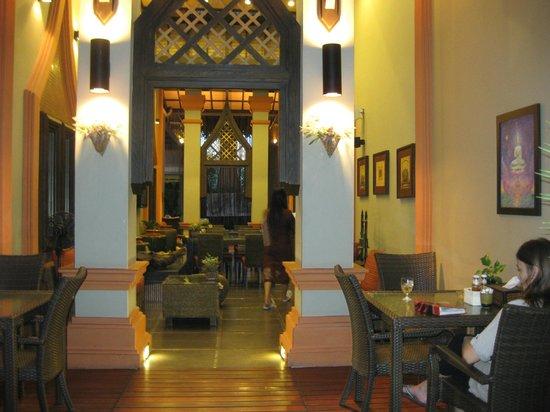 Paragon Inn: Hotel