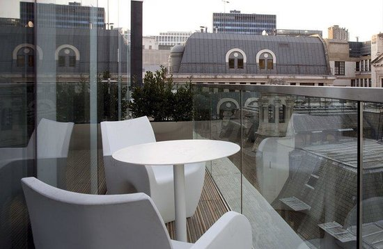 Apex London Wall Hotel: Private Balcony In Selected Rooms