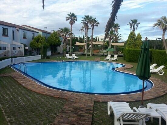 Hotel Opa Village : heart shaped pool