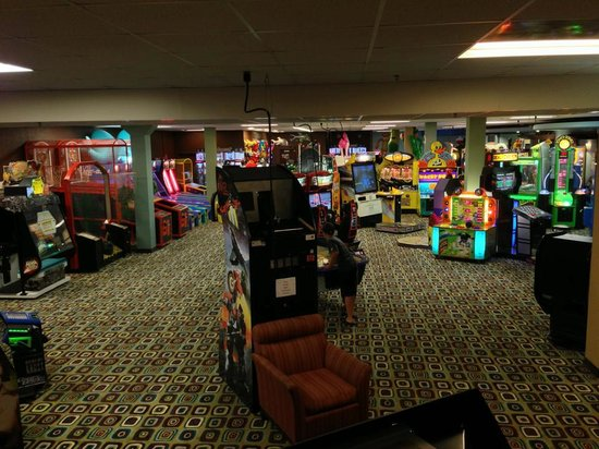 Ramada Plaza Omaha Hotel and Convention Center: Game Room