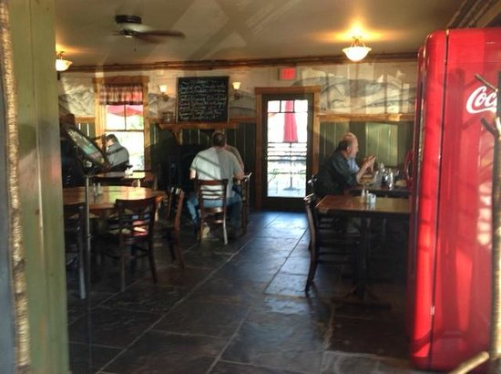 ADK Cafe: Dining room
