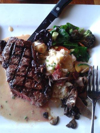 MacCallum House Restaurant: new york ranch steak was delicious