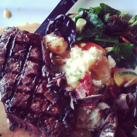 MacCallum House Restaurant : .