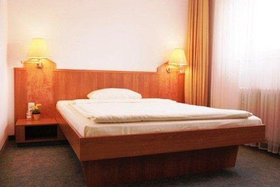 Hotel am Rathaus: Guest Room