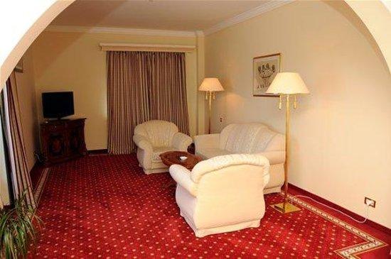 Grand Hotel Rex: Senior