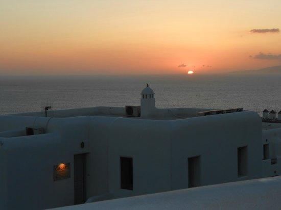 Elysium Hotel: Sunset at the Elysium
