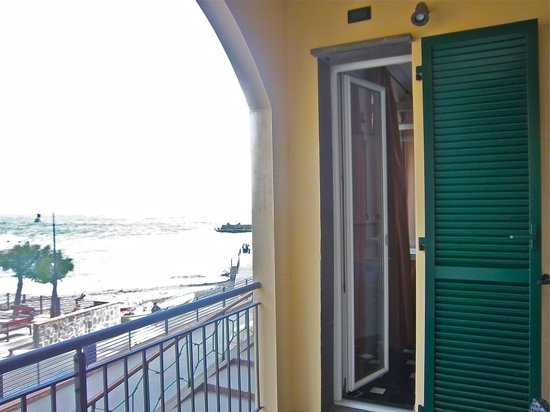 Hotel Pasquale : Great Balcony in Room 2 (the only triple room, which can be used for double use).