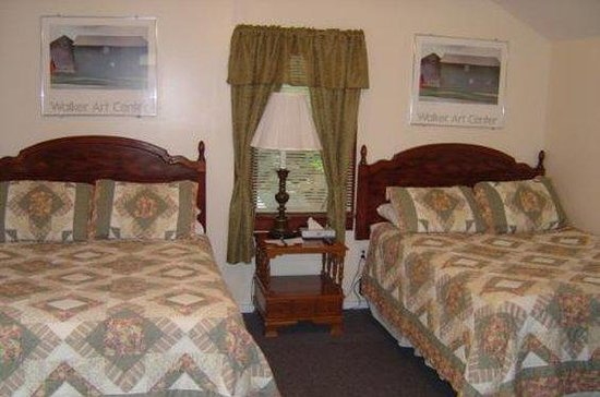Weirs Beach Motel and Cottages: ROWEIRP