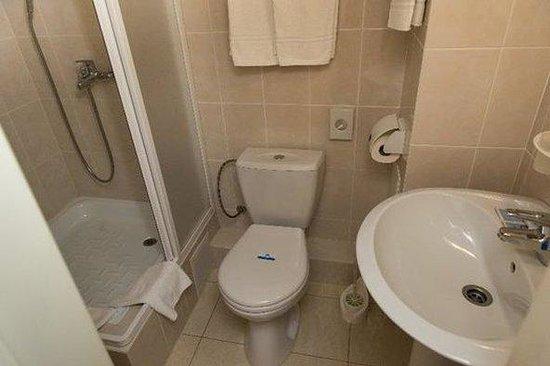 Rossiya Hotel: Bathroom