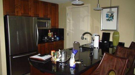 Palm Beach Marriott Singer Island Beach Resort & Spa: Kitchen