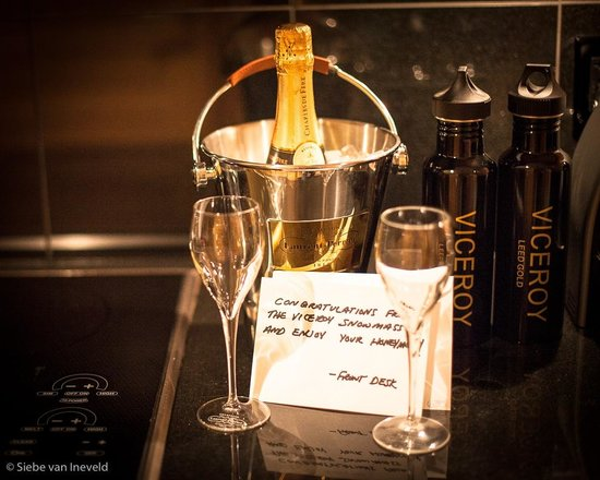 Viceroy Snowmass: Honeymoon congratulations and surprise of the Viceroy team