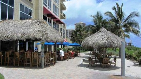 Palm Beach Marriott Singer Island Beach Resort & Spa: Tiki bar