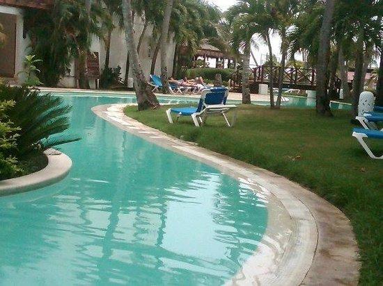Be Live Collection Punta Cana: hermosa y amplia de las muchas piscinas que tiene el hotel