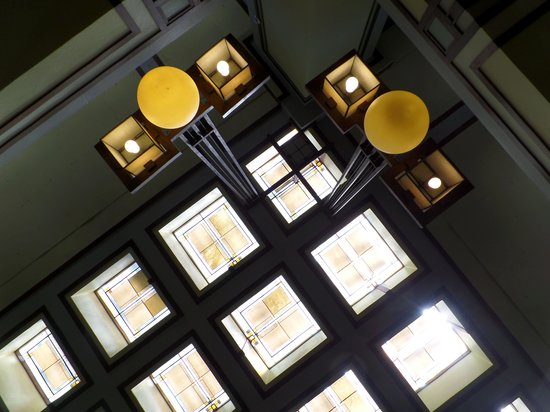 Frank Lloyd Wright's Unity Temple: Love the ceiling and lights.