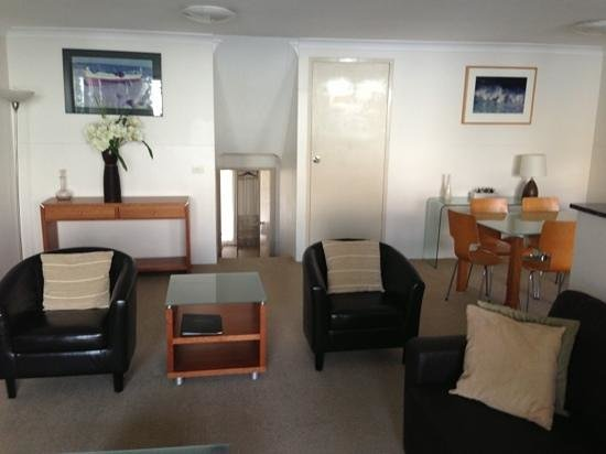 Manly Paradise Motel & Apartments: lounge/dining