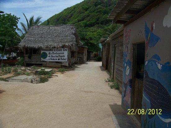 Cabanas Laru Beya: East End