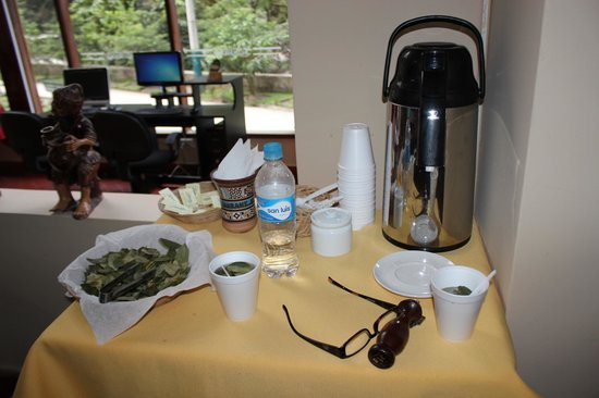 Santuario Hotel: Coca tea station in the lobby