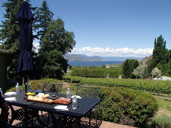 """La Frenz Winery : Our Wonderful picnic lunch, supplied by """"Wine Your Way Tour"""" - Shalyn Syrjanen-Ross"""
