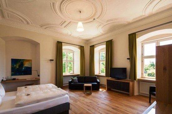 Kloster Holzen Hotel: GuestRoom