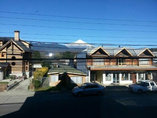 Hotel Vientos del Sur: Vista desde la habitacion...Volcan Villarrica