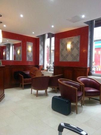 Hotel de Paris Montmartre : Lobby