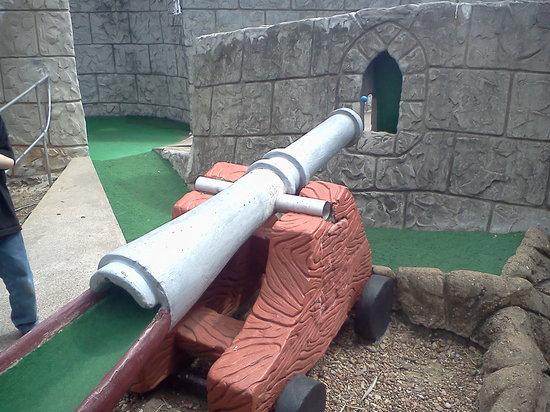 Magic Carpet Golf : cannon