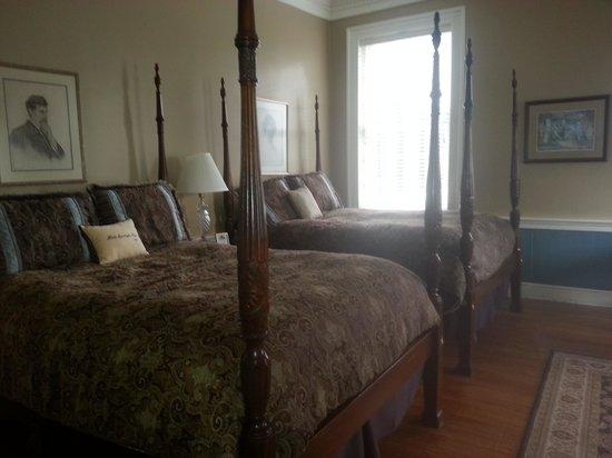 Hale Springs Inn: wonderfully large Room