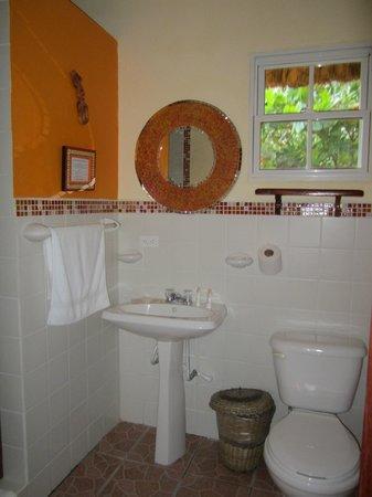 Seaside Cabanas: bathroom