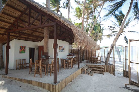 Rieseling Boracay Beach Resort: INGGO'S BEACH BAR & CAFE