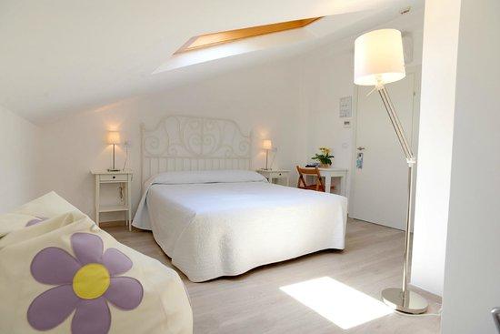 MAREE HOTEL : Camera Gust/Mansarda/Attic