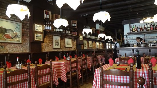 Ristorante Pizzeria Ai Sportivi: Interior del local