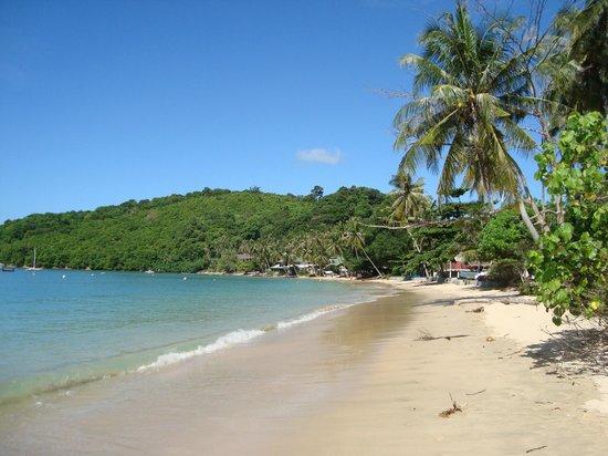 Sansuko Ville Bungalow Resort : Local Beach